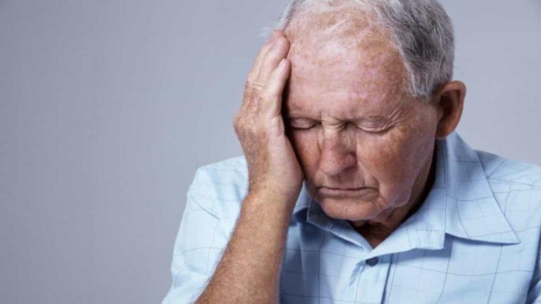 عوامل تزيد من فرص الإصابة بمرض الزهايمر