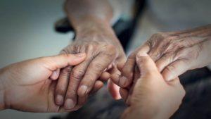 دليل رعاية مريض الزهايمر، كيفية التعامل مع مريض الزهايمر